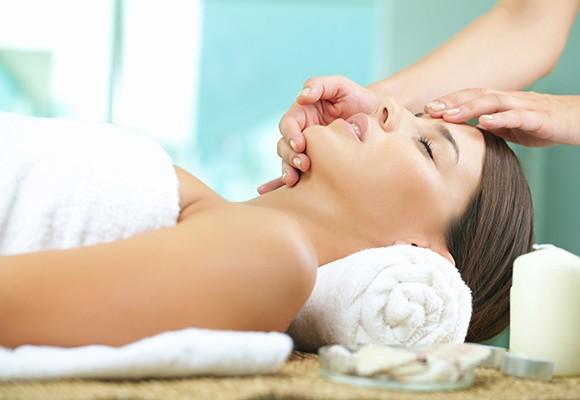 Thai Face Massage